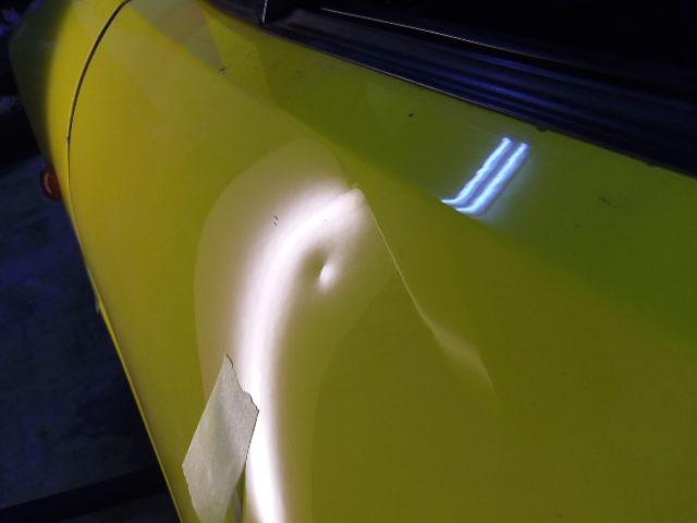 フェラーリ デントリペア修理前