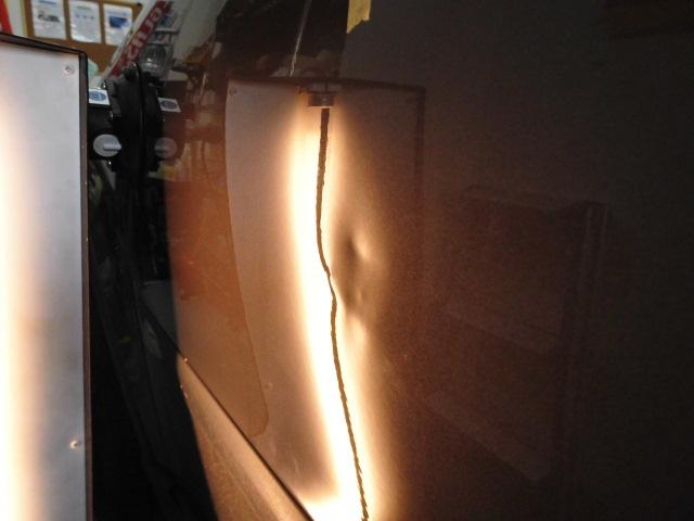 XC90 フロントドアのヘコミ