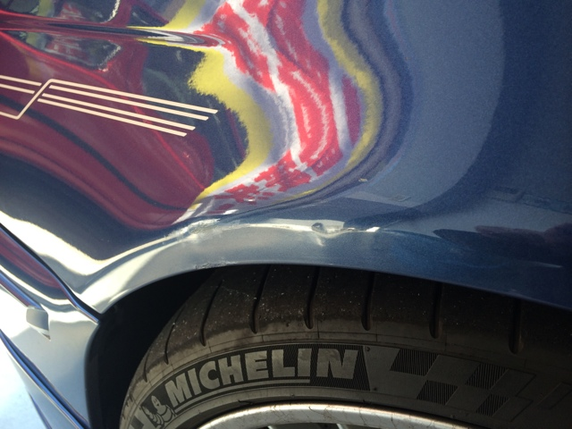 BMW M3 デントリペア