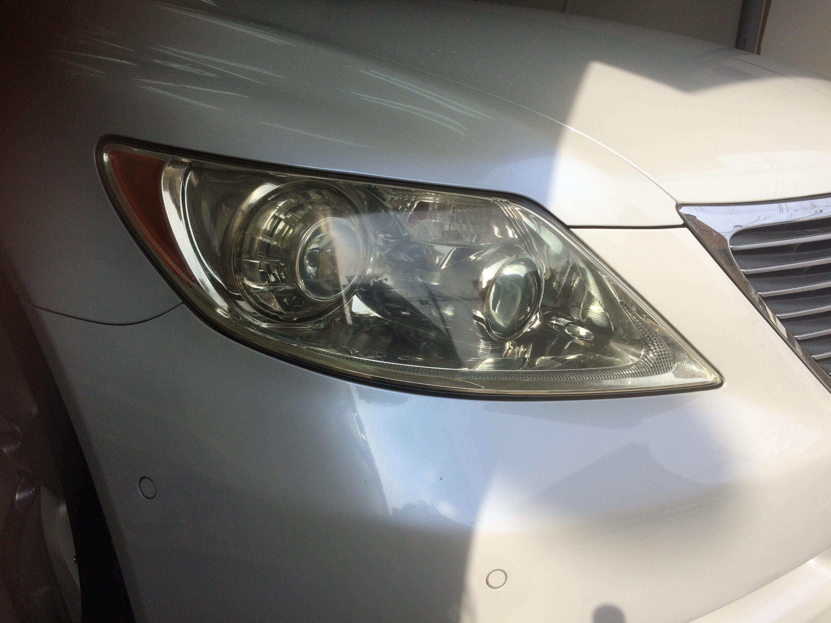 レクサスLS460のヘッドライトコーティング