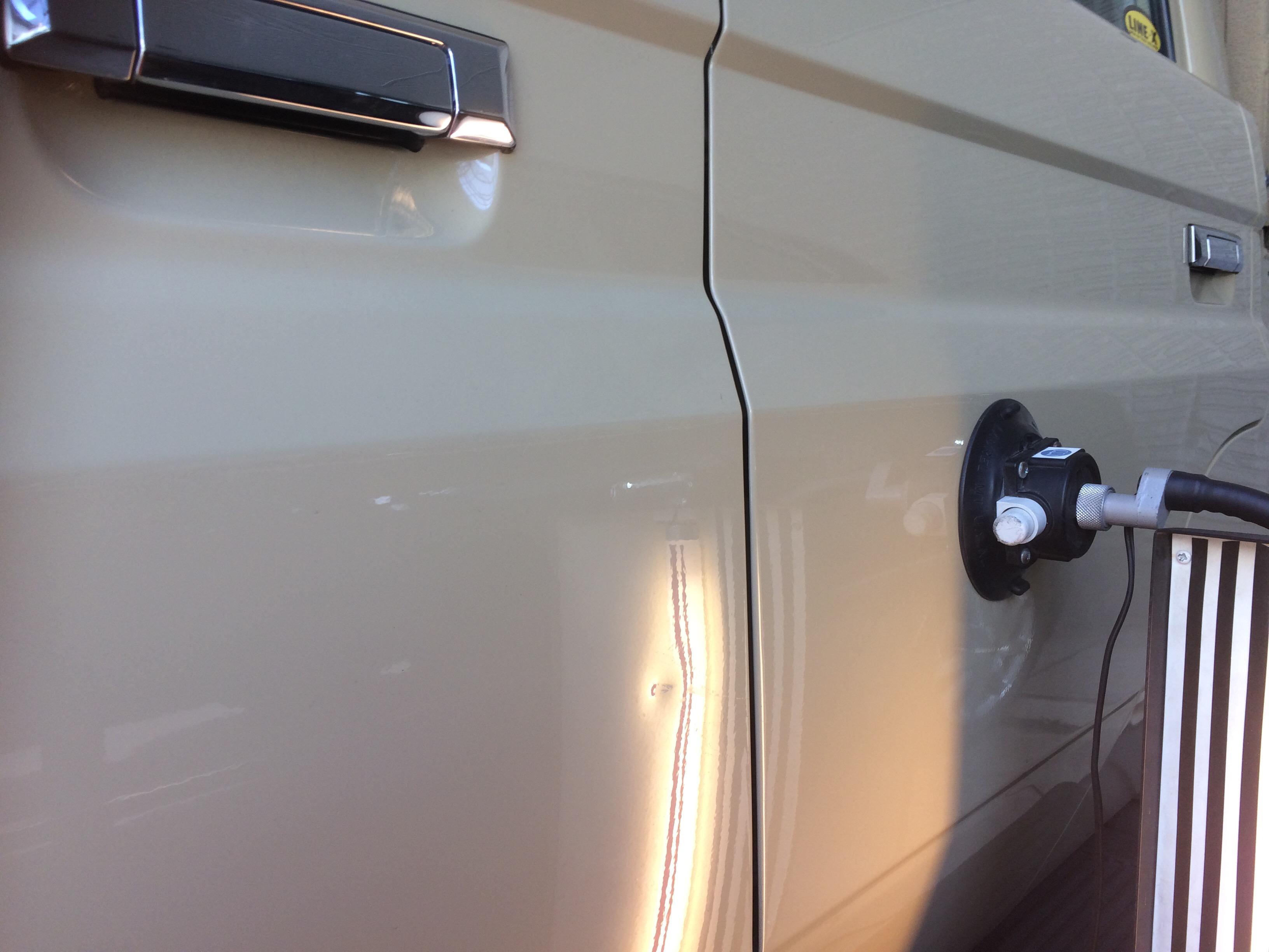 ランクル ピックアップのドアのヘコミ修理
