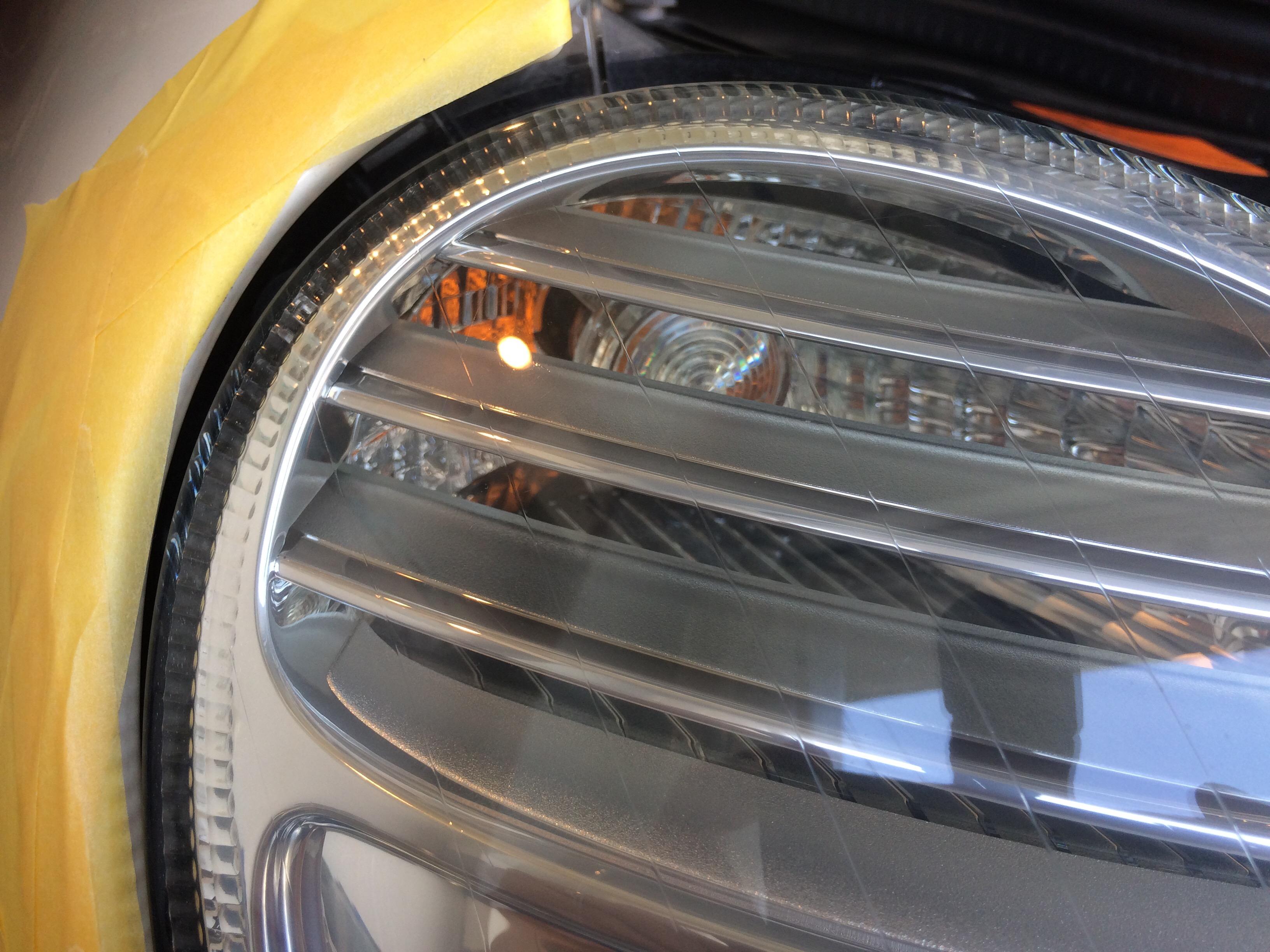 ベンツ W211 ヘッドライトコーティング