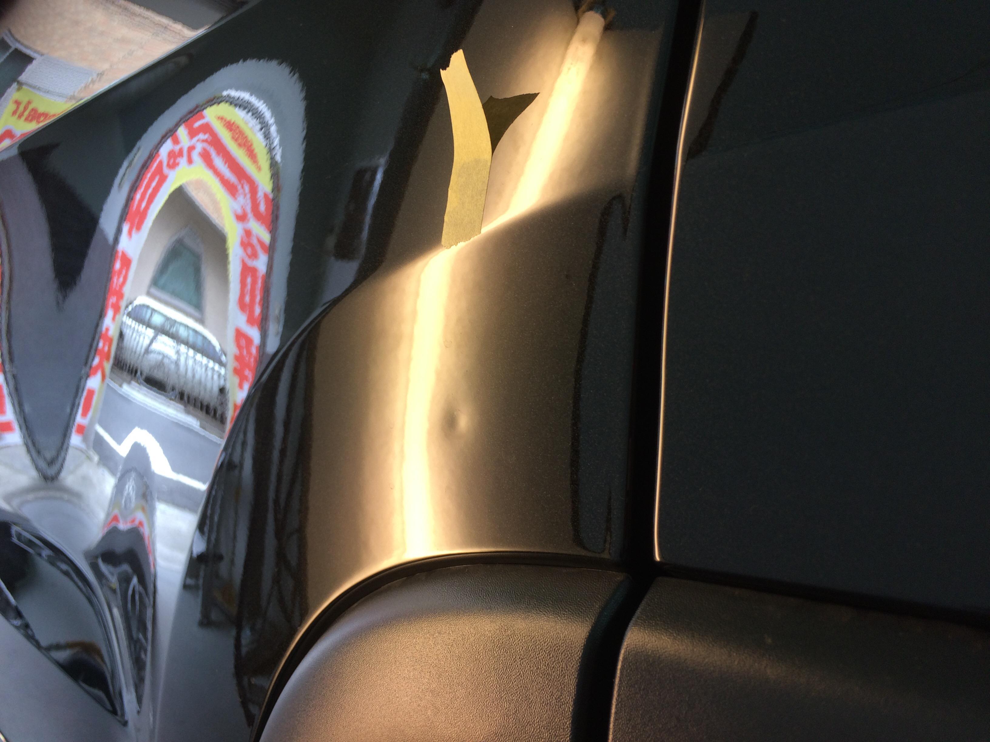 ジープ チェロキーのドアのヘコミ修理