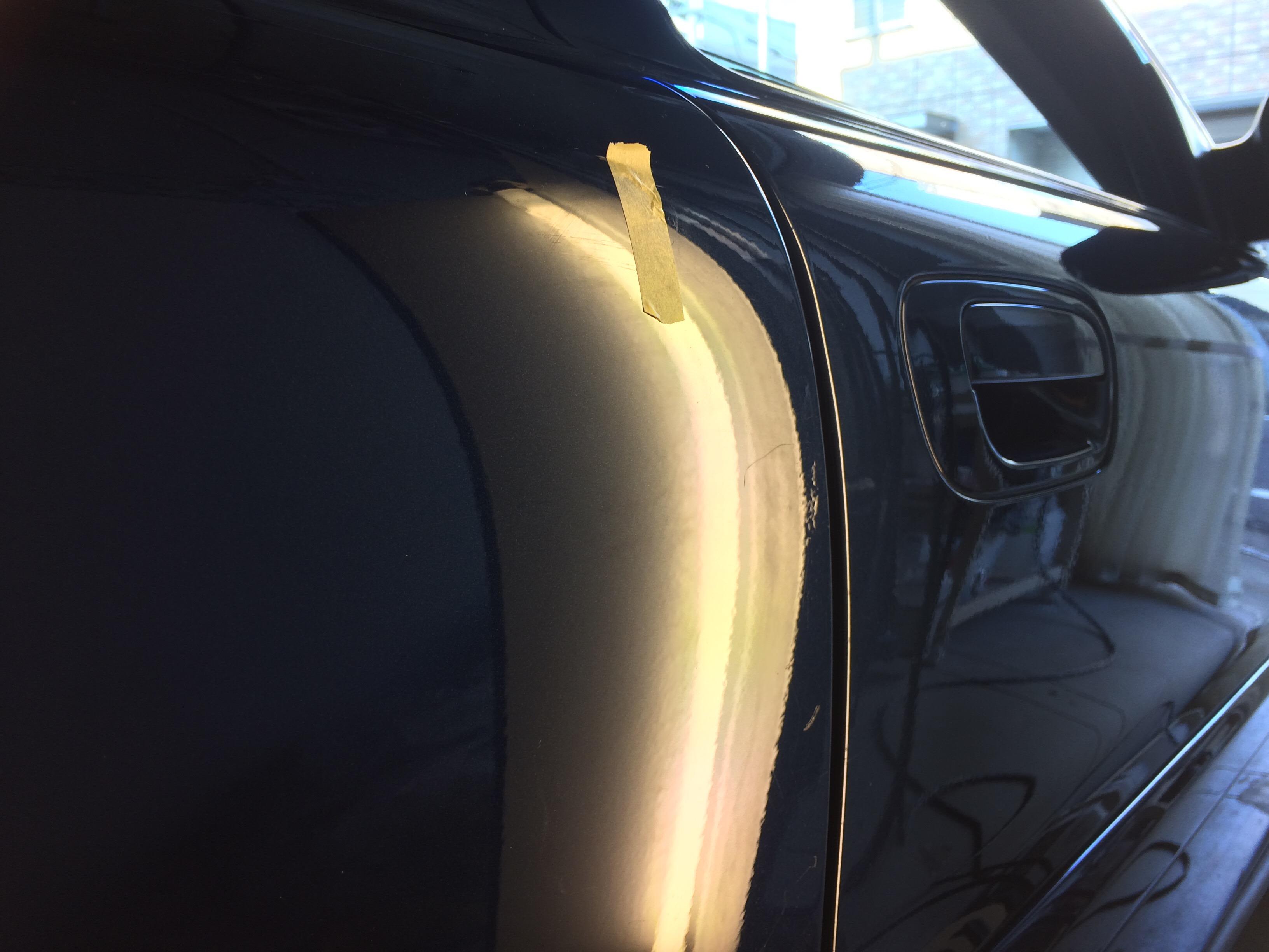 ボルボV70 リヤドアの凹み修理