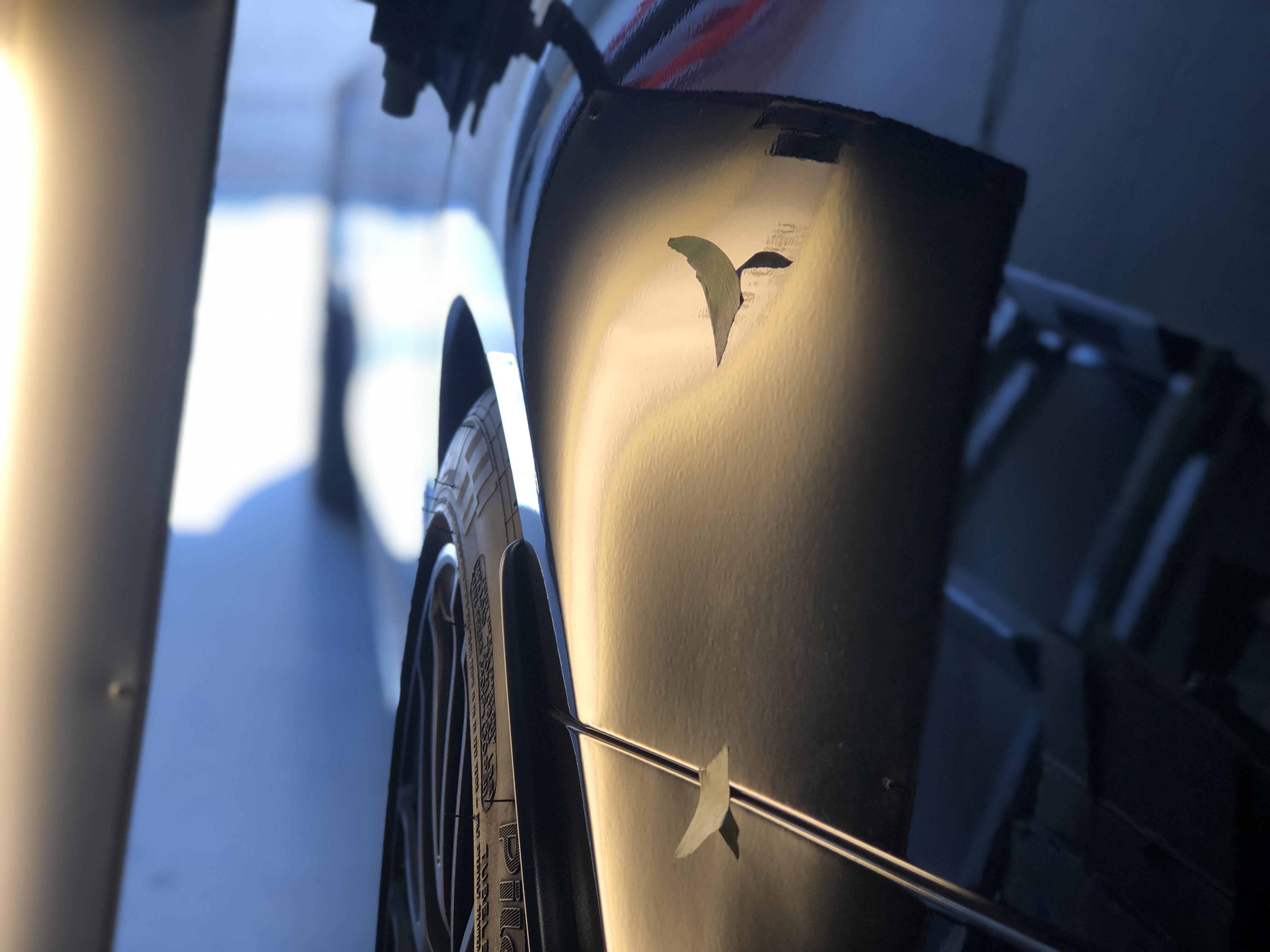 W205 クォーターパネルのヘコミ修理