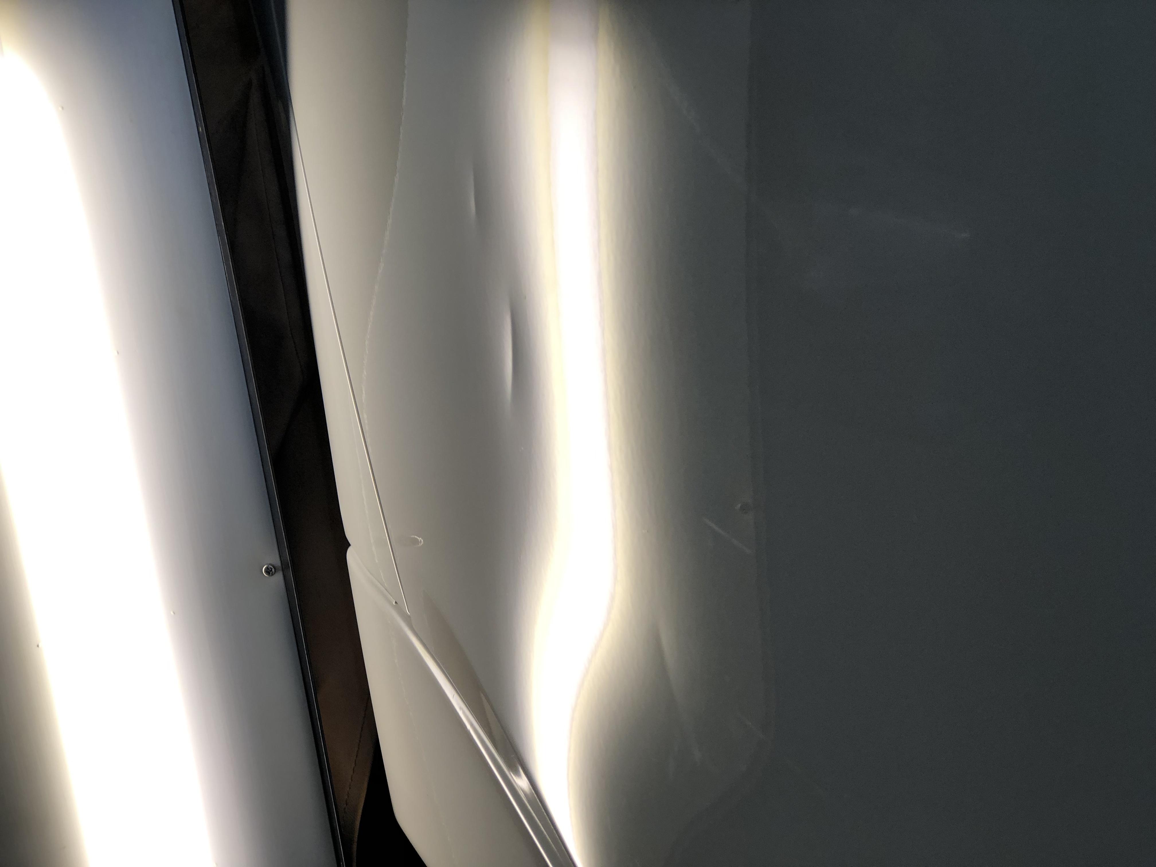 BMW 320d ドアのデントリペア