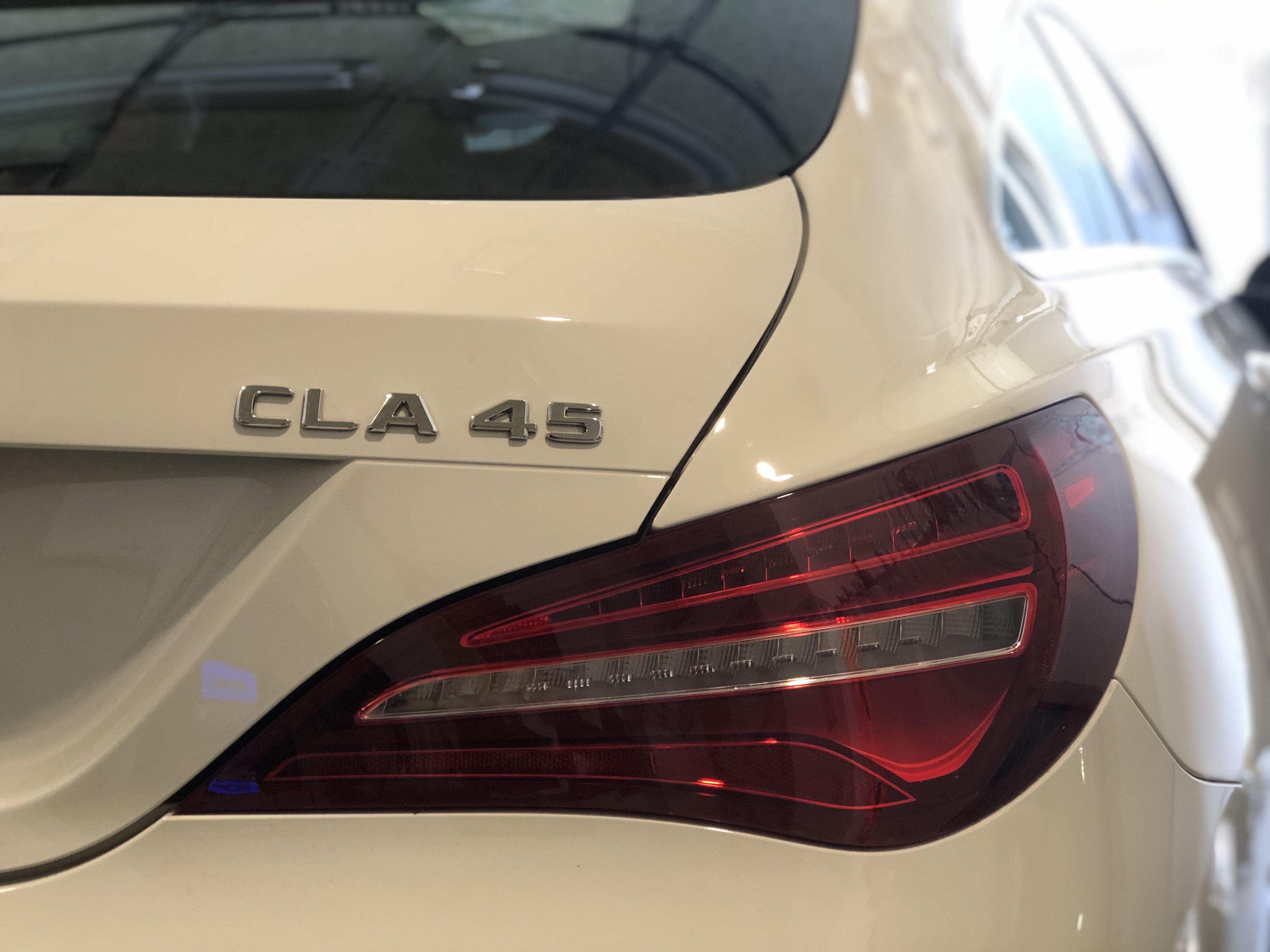 ベンツ CLA45 デントリペア