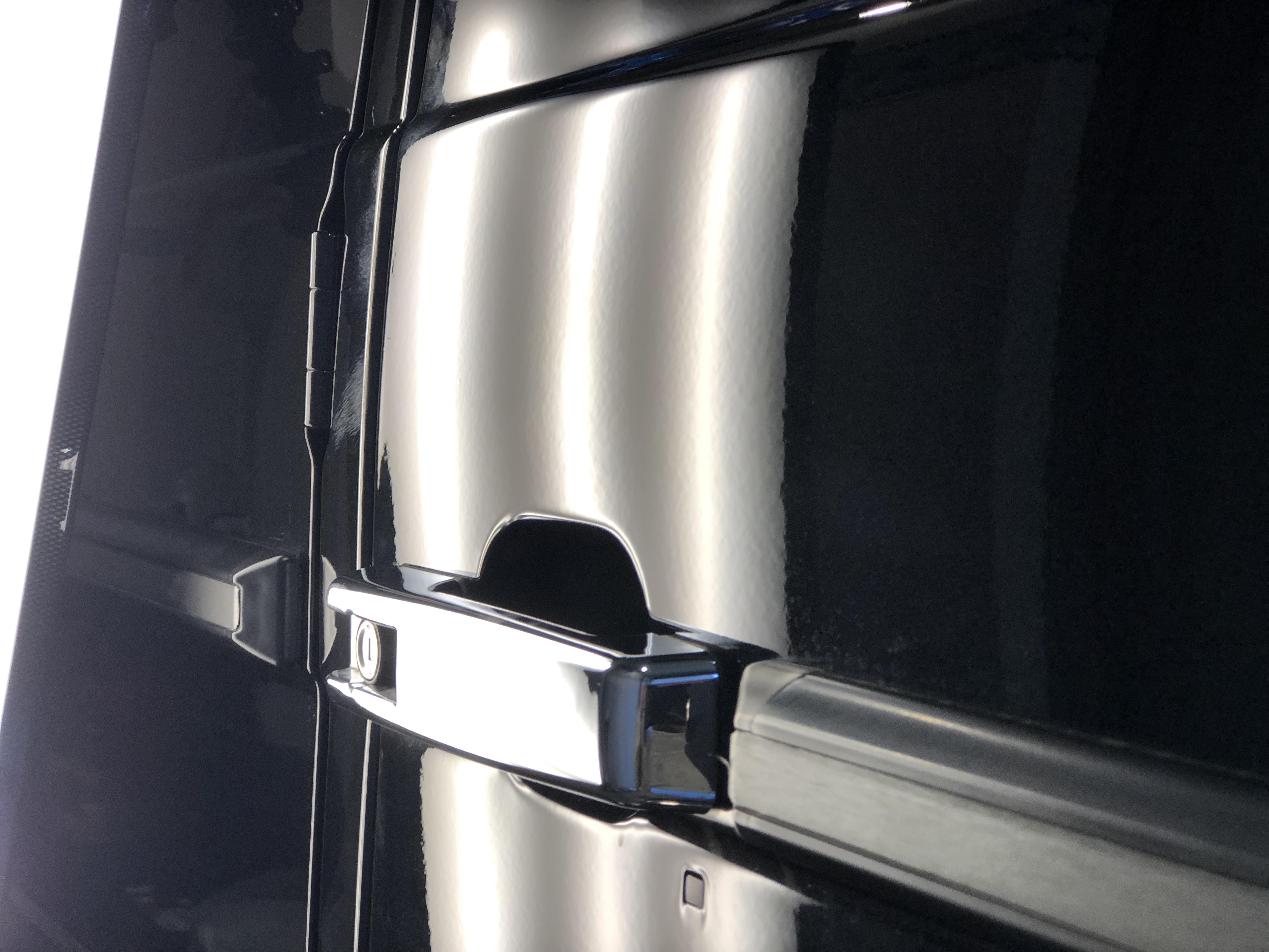 メルセデスベンツ G350d ドアのデントリペア