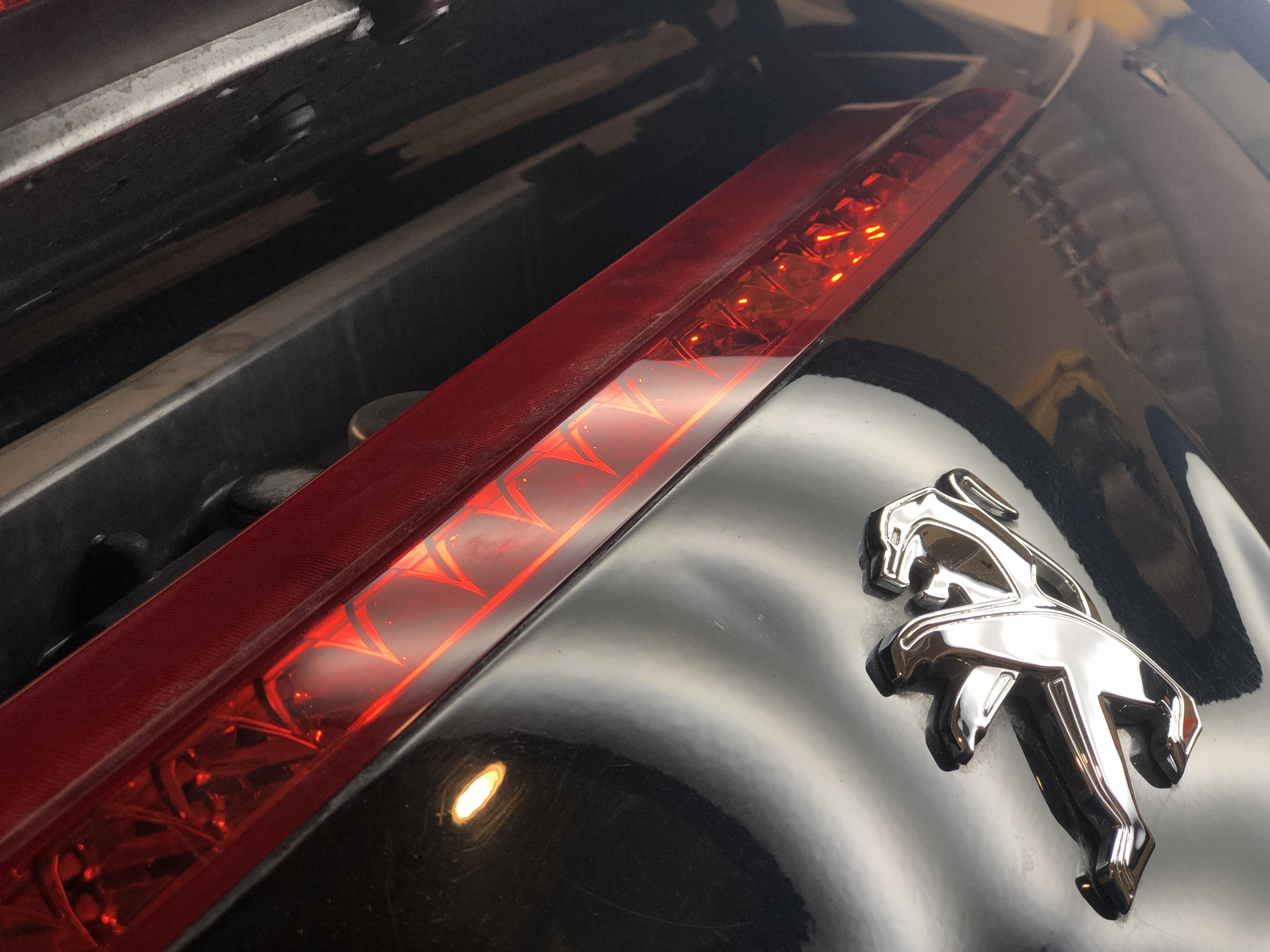 プジョー RCZ トランクのヘコミ修理