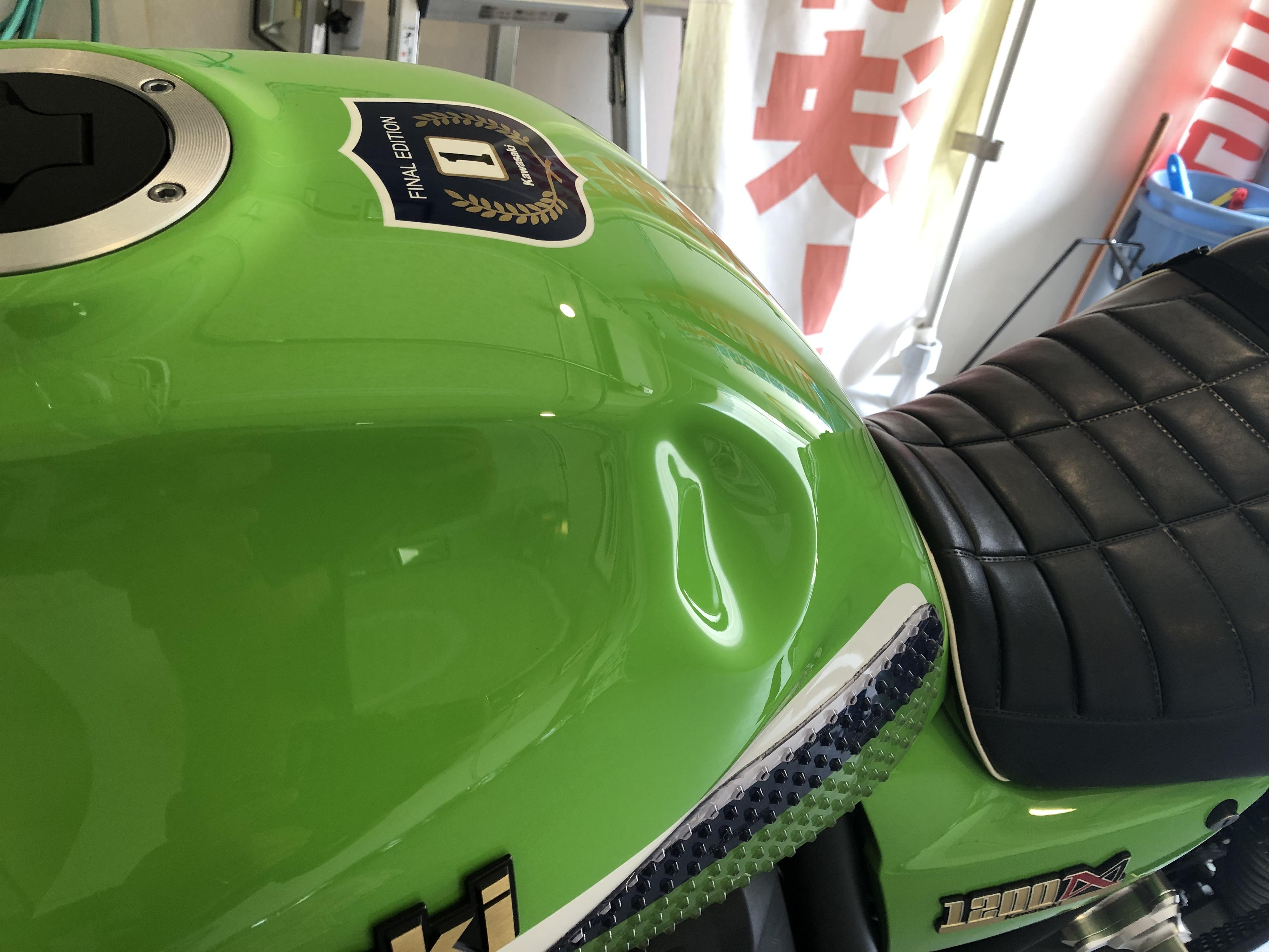 バイクのタンクのデントリペア