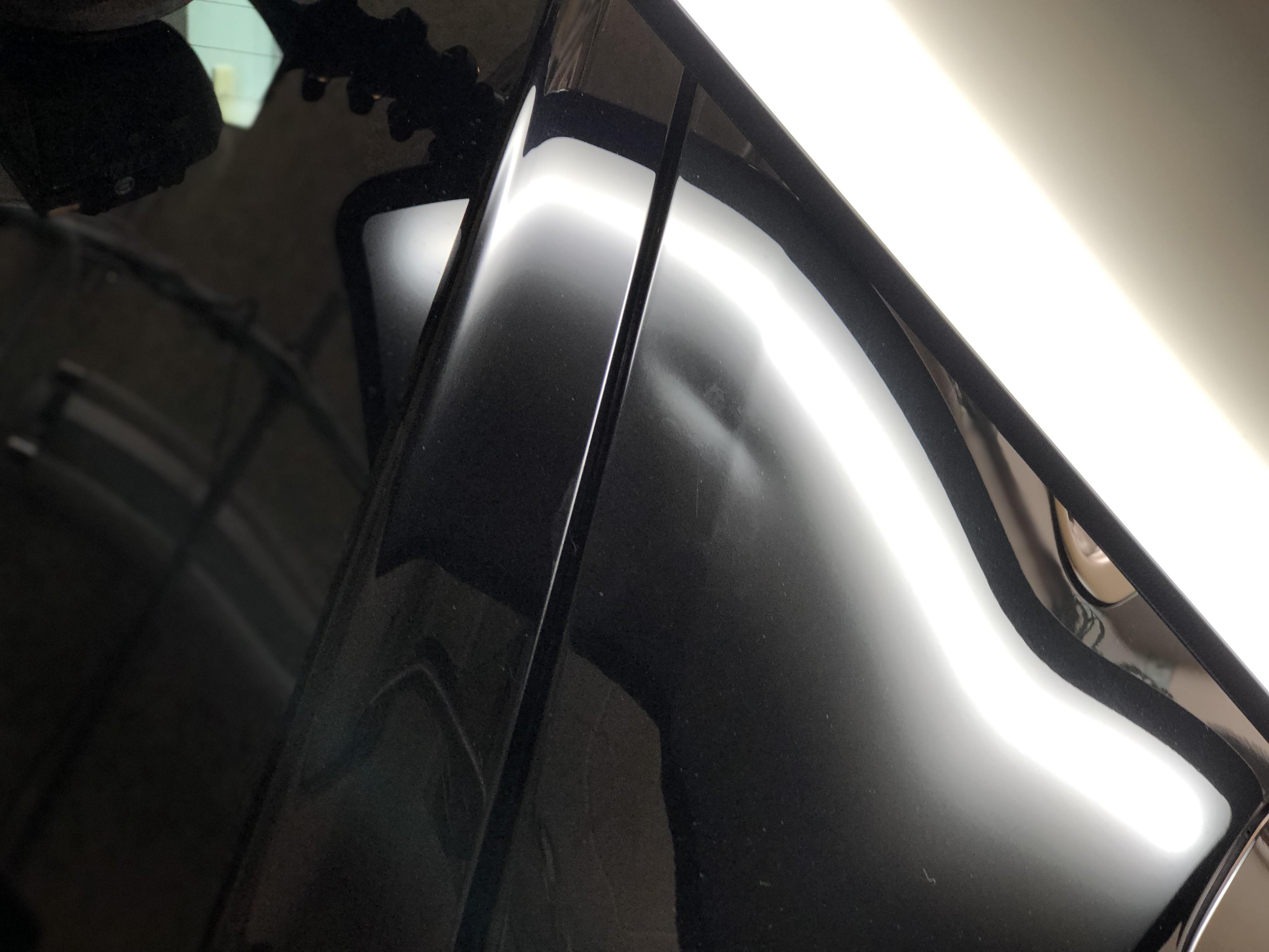 アウディRSQ3 クォーターパネルのヘコミ修理