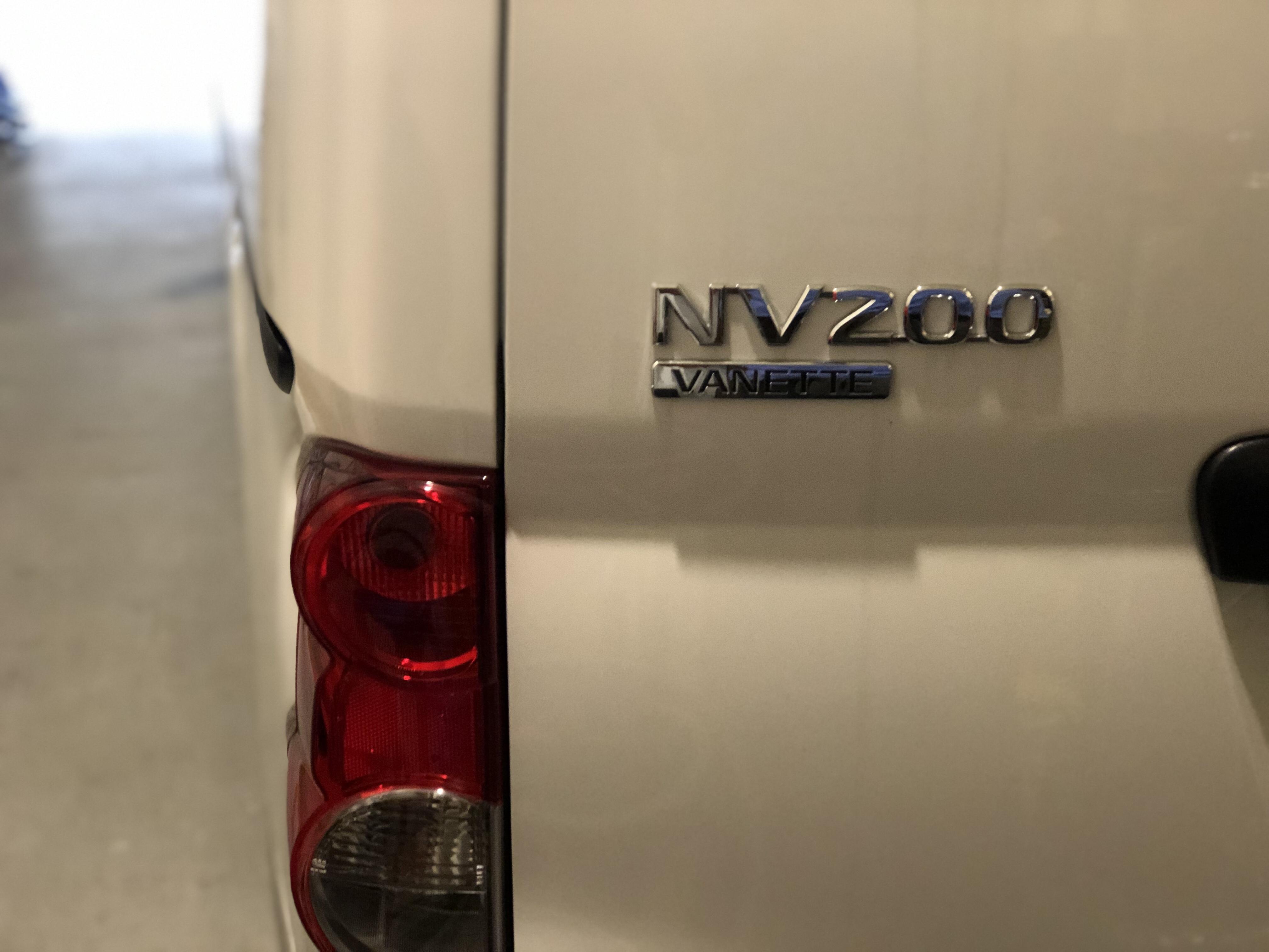 日産NV200 デントリペア