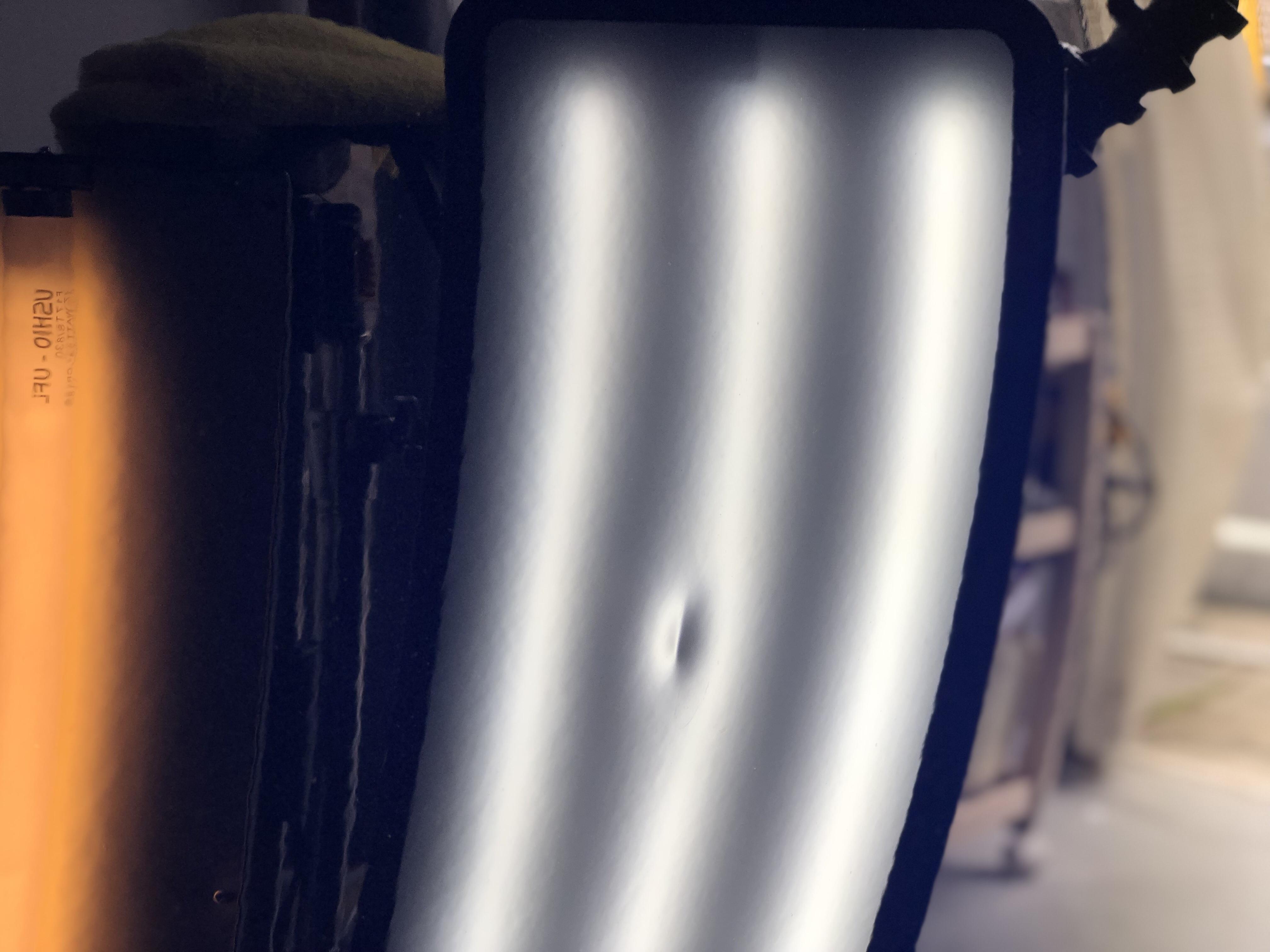 テスラ モデルX ドアのデントリペア
