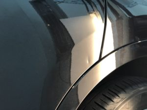 BMW X1 ドアのデントリペア施工前