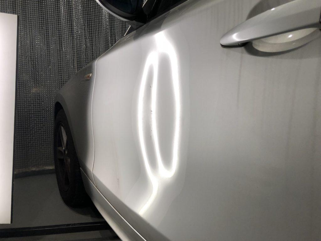 BMW 118i ドアのデントリペア施工前