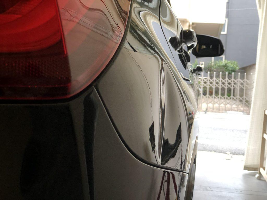 BMW X1 クォーターパネルのデントリペア施工前