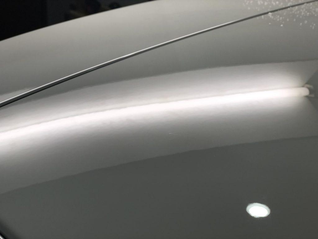 BMW 118dのルーフのデントリペア施工後