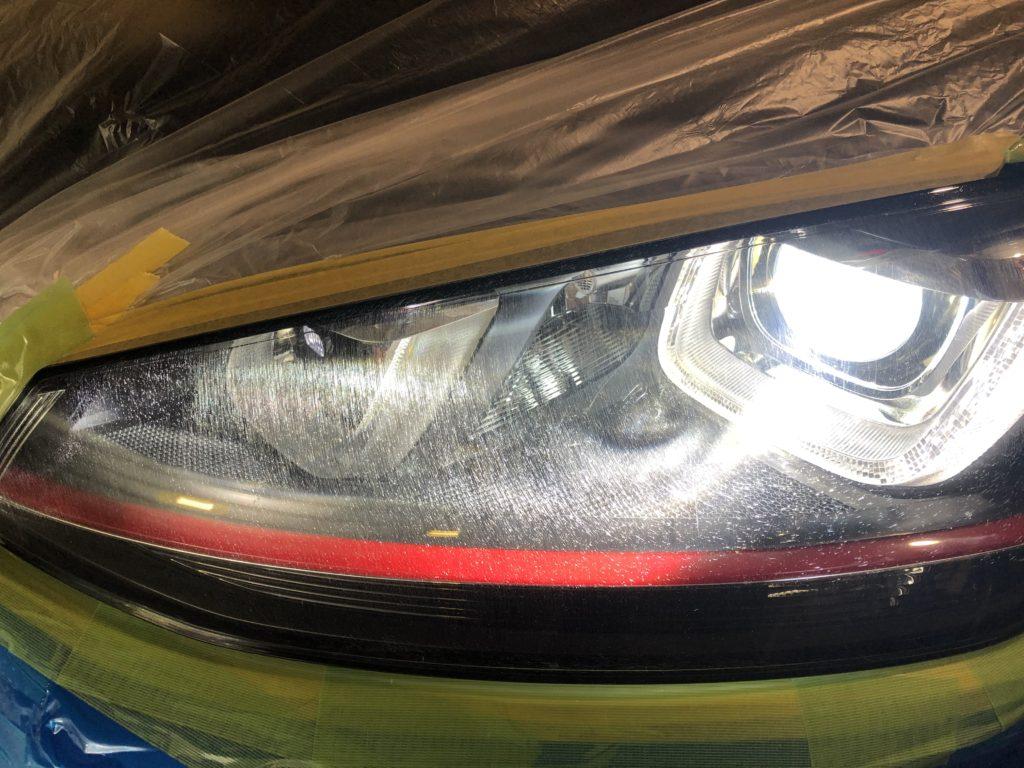 ゴルフⅦ GTIのヘッドライトリペア