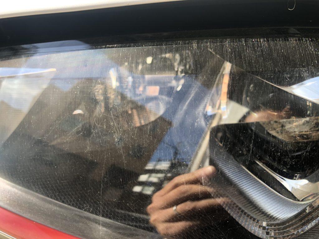 フォルクスワーゲン ゴルフⅦ GTI のヘッドライトのひび割れ