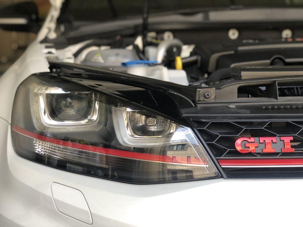 フォルクスワーゲン ゴルフⅦ GTI ヘッドライトリペア