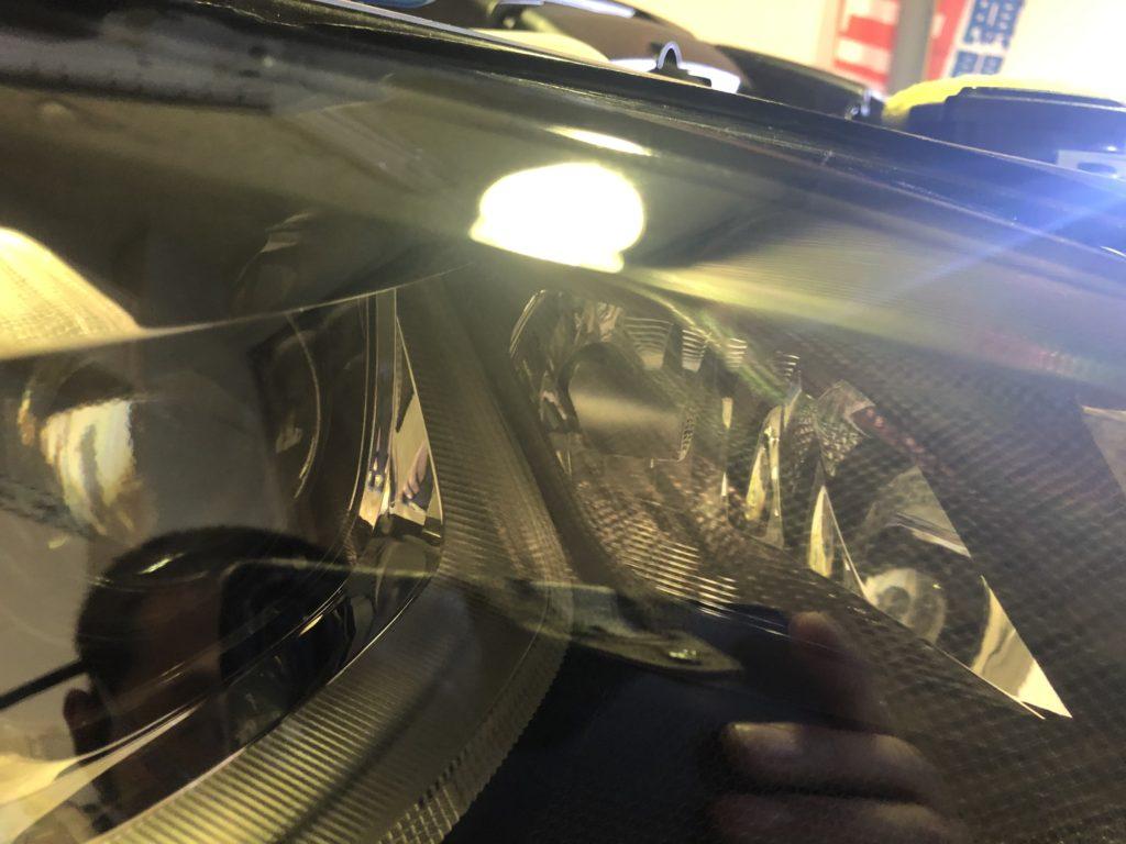 フォルクスワーゲン ゴルフⅦ ヘッドライトクラック 除去