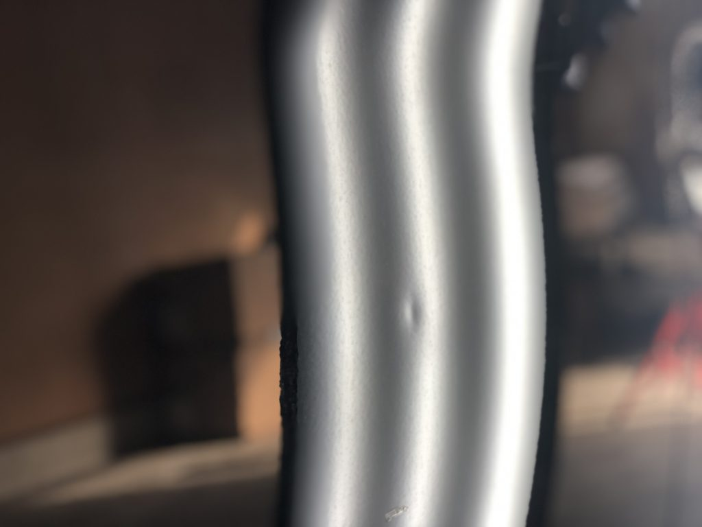 プリウス ドアパンチによる凹み