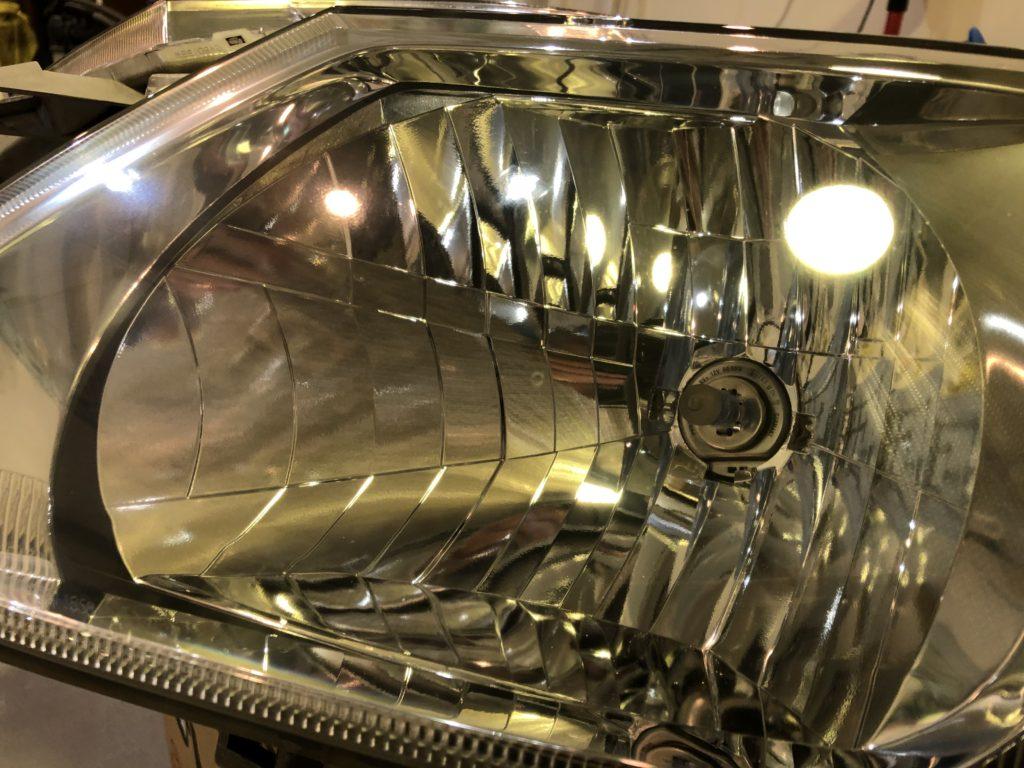 C24 セレナ ヘッドライト磨き