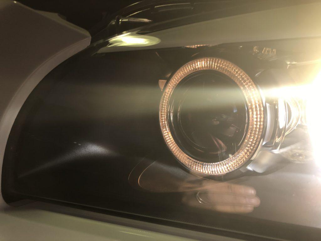 BMW X1 ヘッドライトひび割れ除去