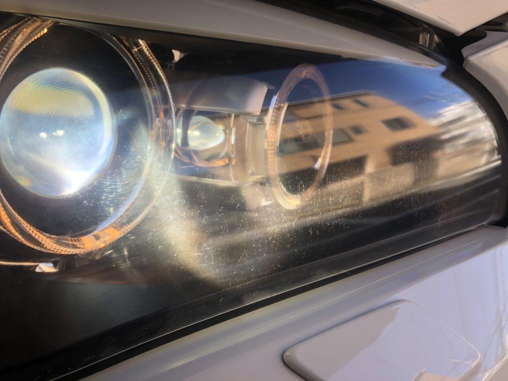 BMW X1 ヘッドライトのひび・クラック