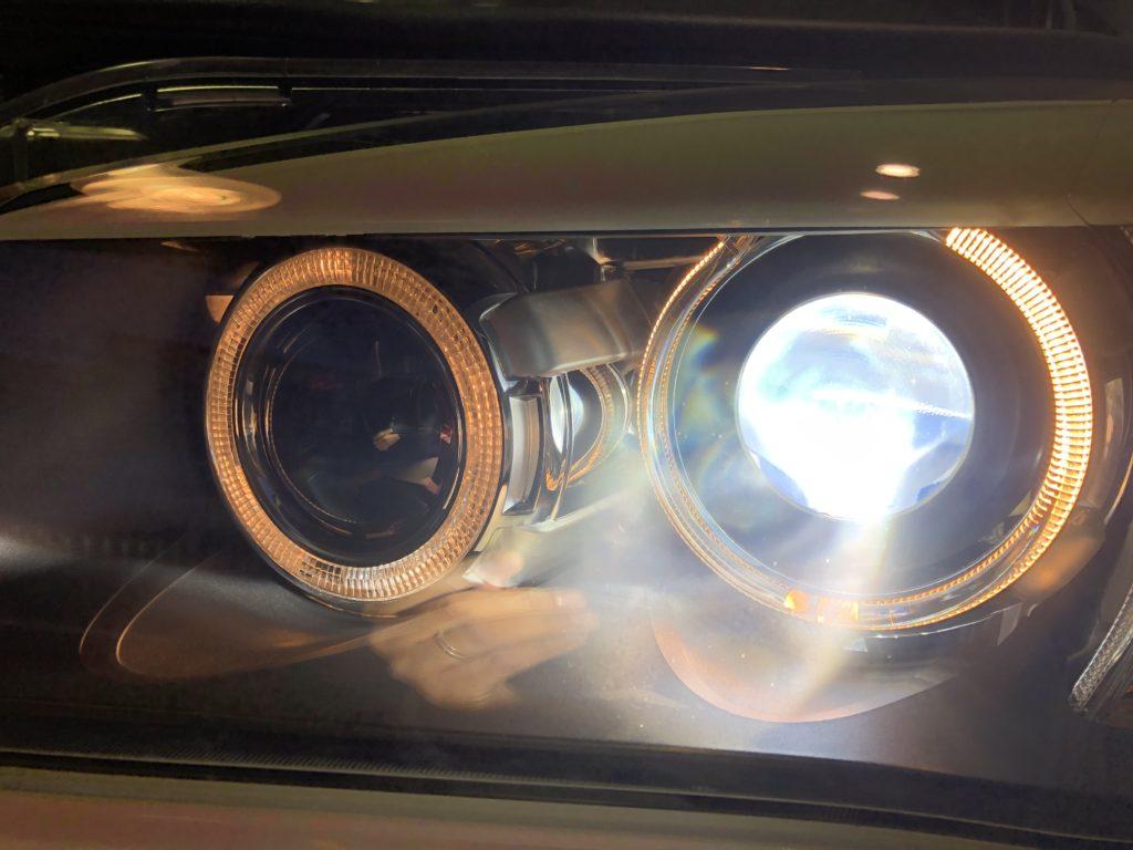 BMW X1 ヘッドライト磨き