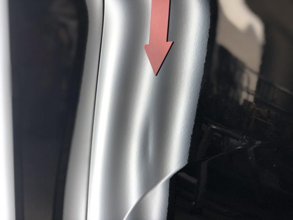 トヨタ アルファードのフロントフェンダーのデントリペア