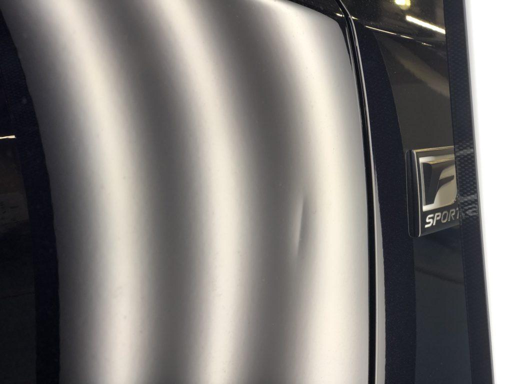 レクサス CT200h ドアのデントリペア