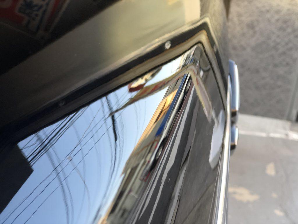 ボンネットの凹みは、デントリペアでキレイに直ります。