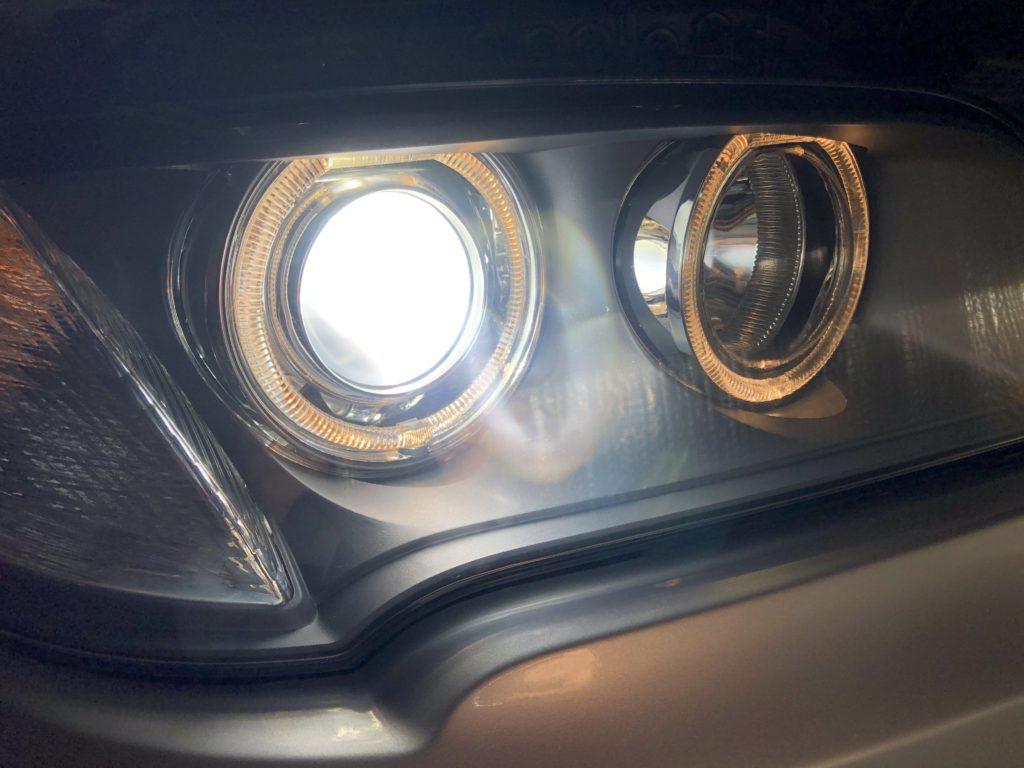 BMW X3 ヘッドライト磨き
