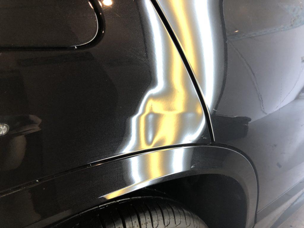 BMW X2  クォーターパネルのデントリペア作業前