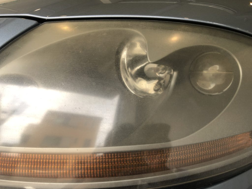 アウディTT  ヘッドライトの黄ばみ