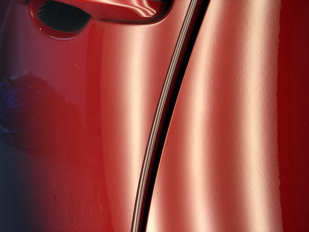 トヨタ カローラスポーツ ドアのデントリペア作業後