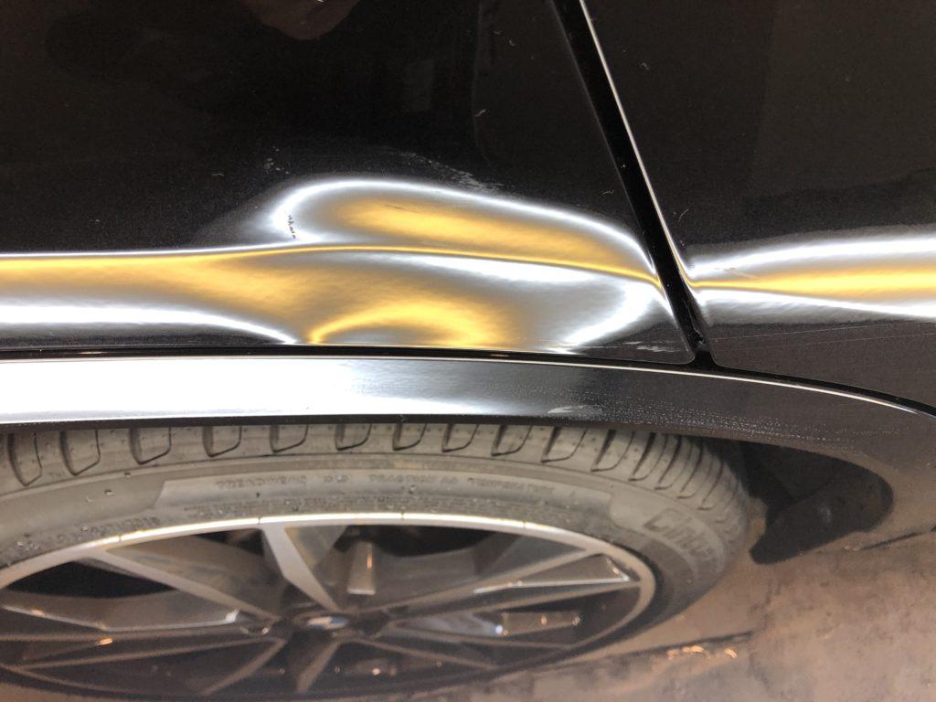 BMW X2  クォーターパネルのプレスラインのデントリペア
