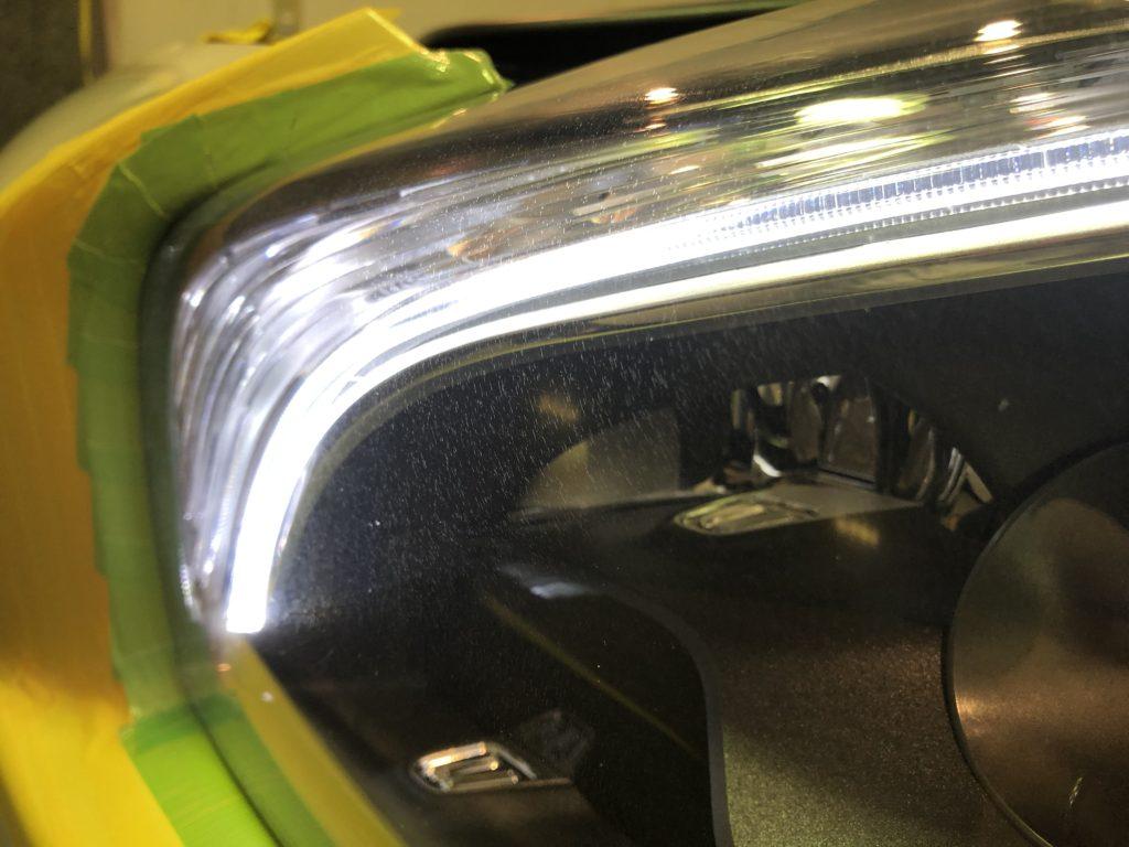 ベンツSL63  ヘッドライトのひび割れ・クラック