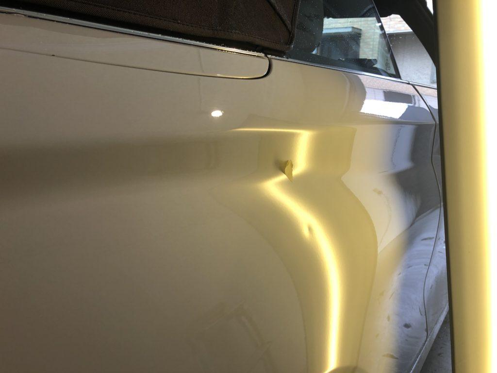 BMW220i カブリオレ クォーターパネルのヘコミ修理