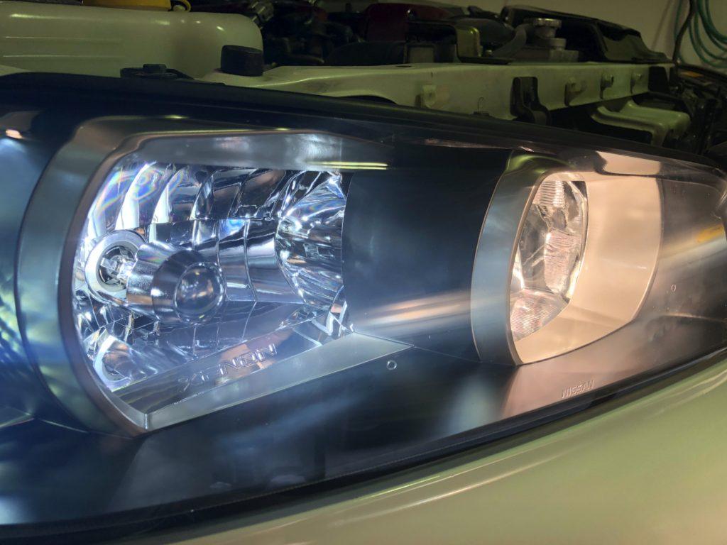 国産車のヘッドライトのクラック・ひび割れは除去出来ます。