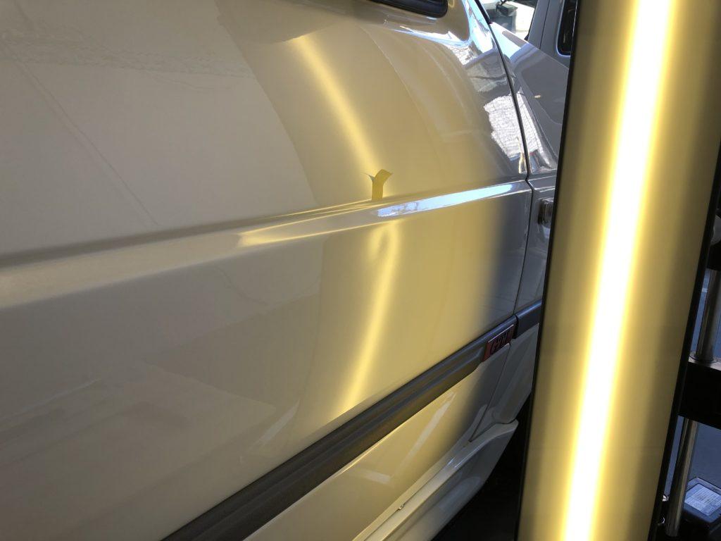フォルクスワーゲン ゴルフ2 GTI ドアのデントリペア作業前