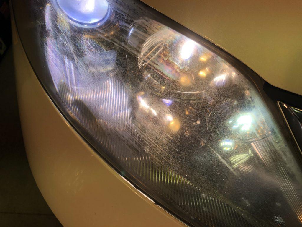 ヘッドライト磨きは、専門店にご相談してみて下さい。