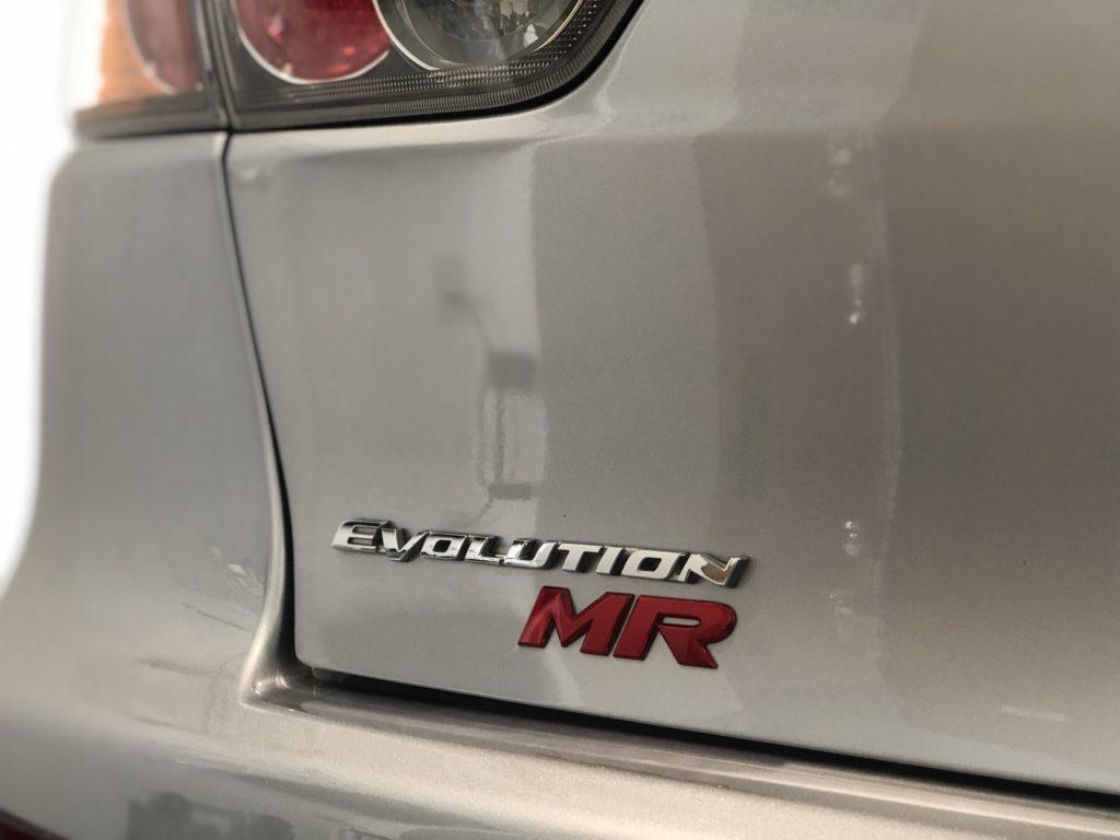 三菱ランサーエボリューション10  デントリペア