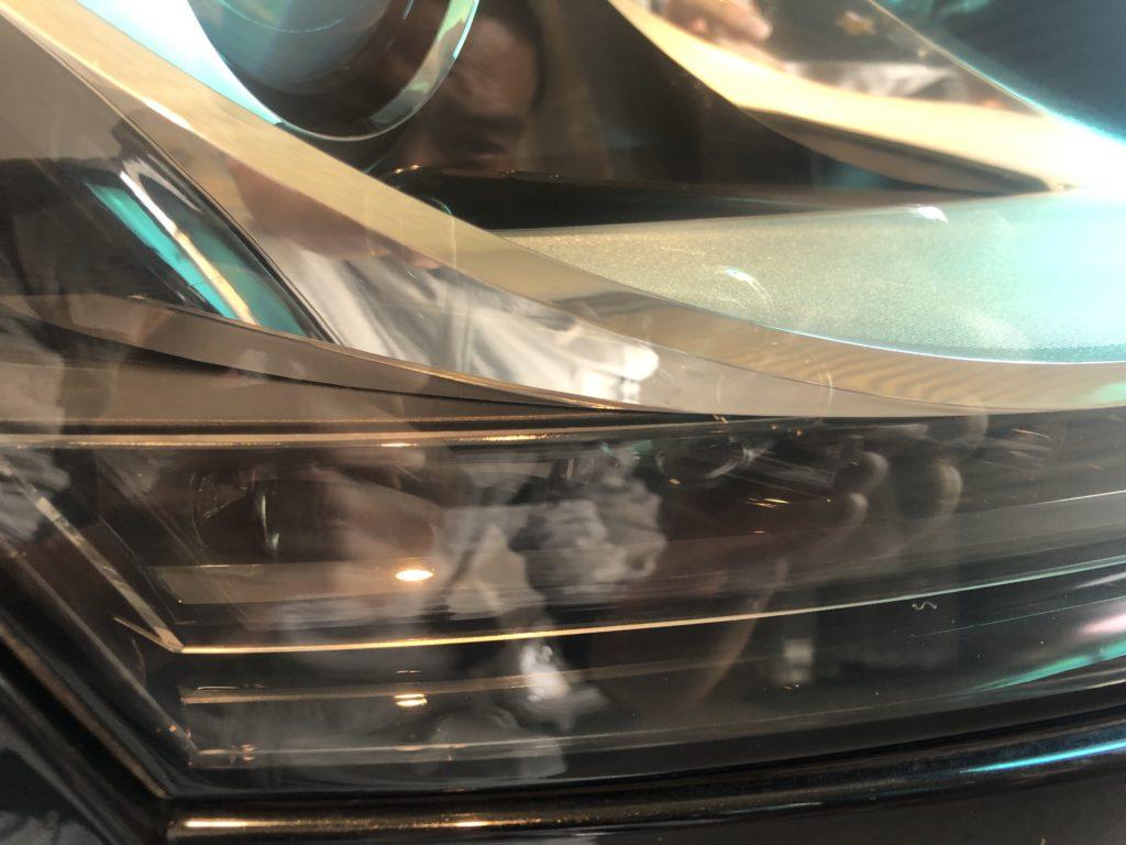 アウディTT ヘッドライトのクラック除去
