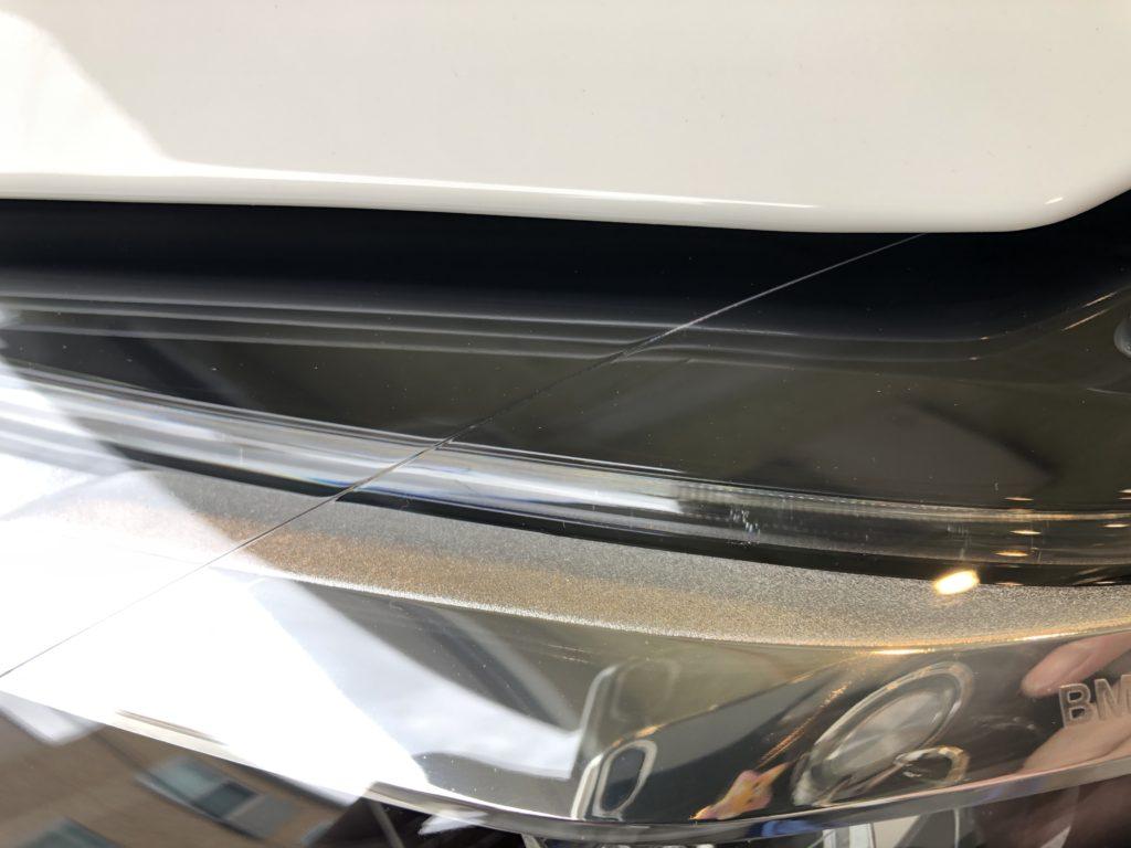 BMW 640 グランクーペ ヘッドライト上部のひび割れ除去