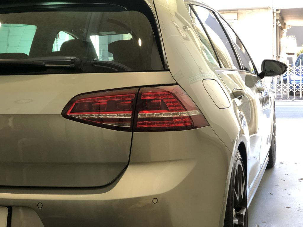 フォルクスワーゲン ゴルフ7  GTI  ヘッドライト磨き