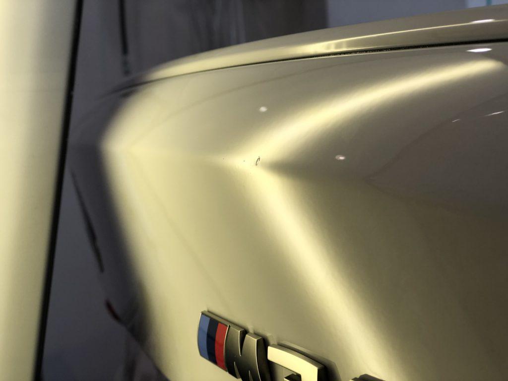 BMW M340i  トランクのプレスラインのデントリペア