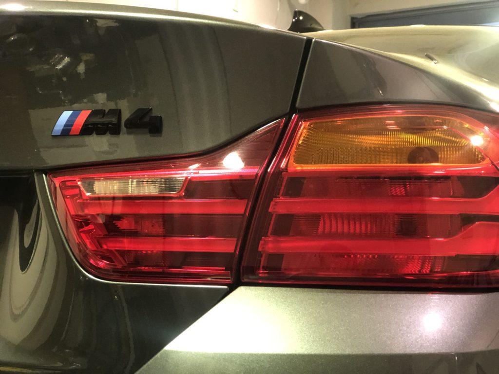 BMWM4クーペ デントリペア