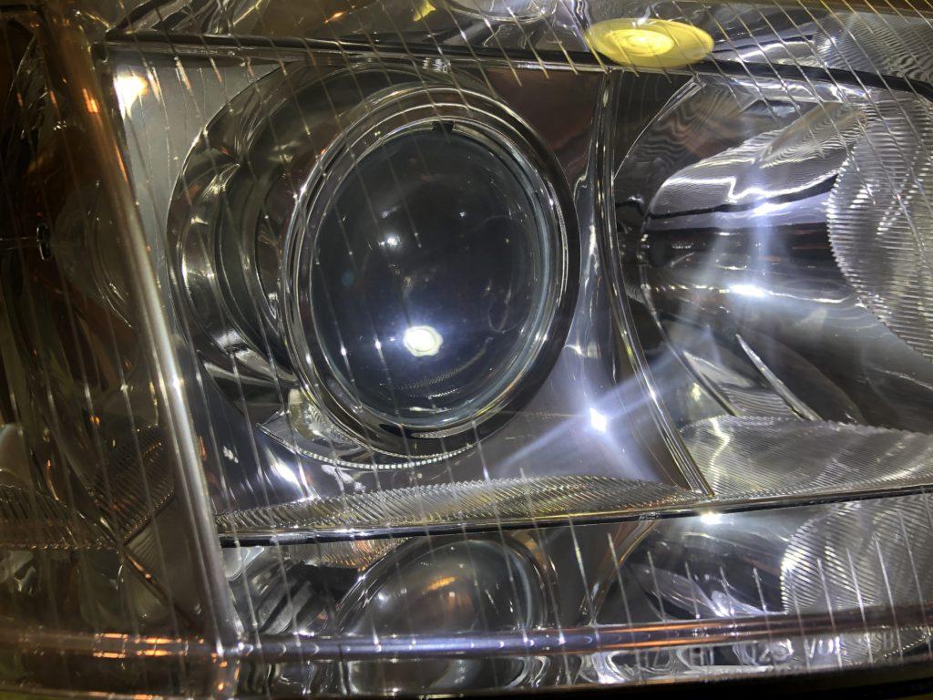 アウディのヘッドライト磨き専門店